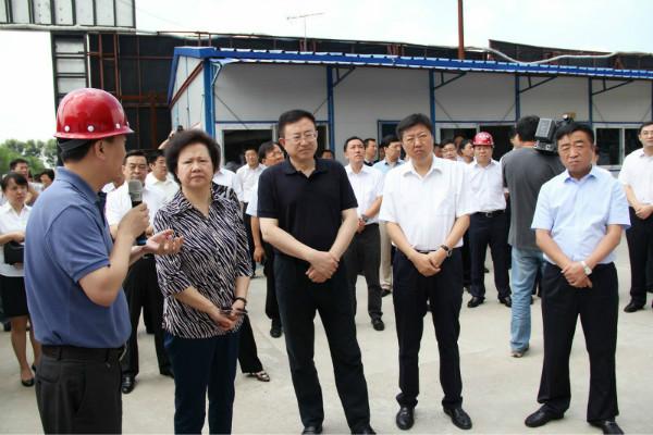 陈海波书记,宋希斌市长一行莅临哈创投集团孵化器